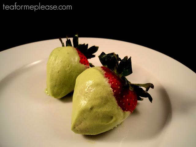 Tea DIY: Matcha Yogurt Dipped Strawberries