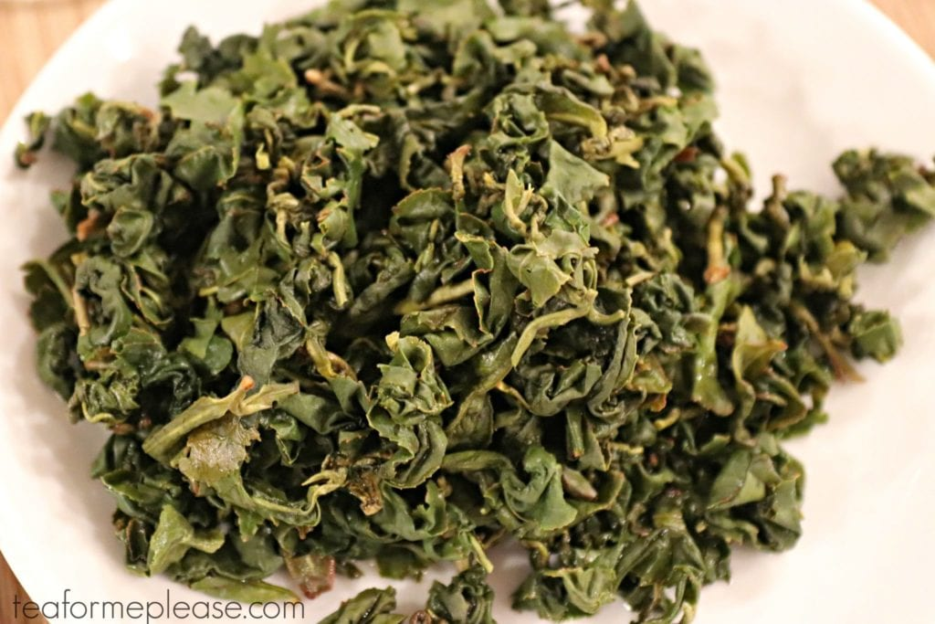 Expanded Alishan oolong leaves