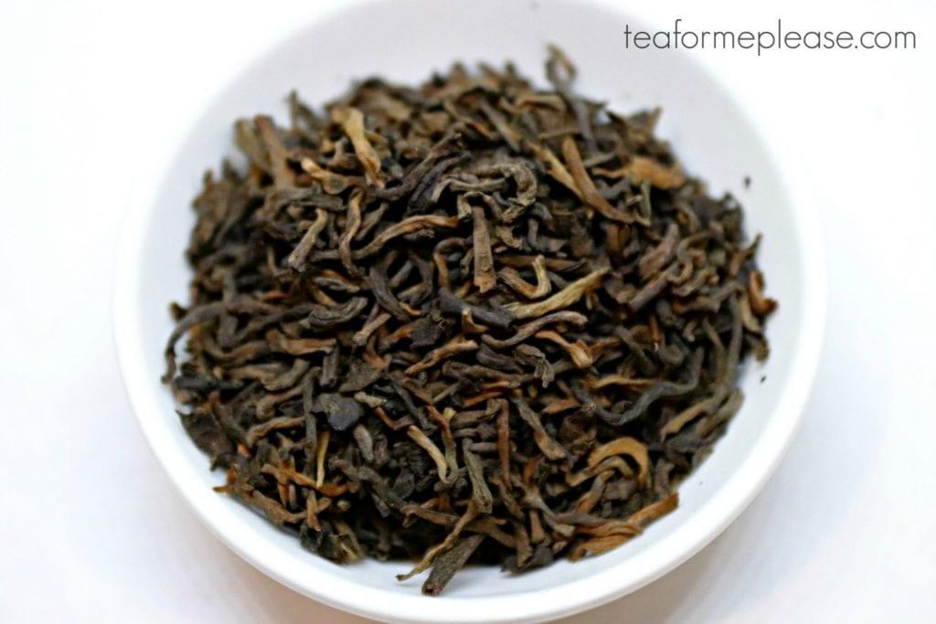 Puerh tea leaves