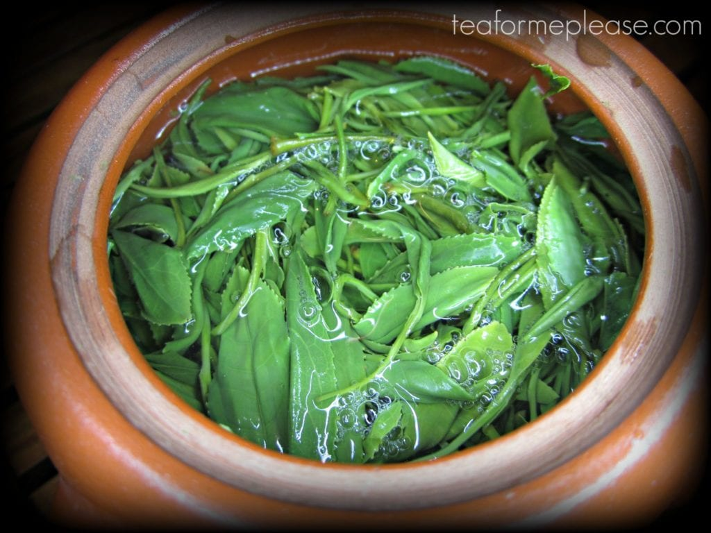 Temomi sencha tea leaves in a kyusus