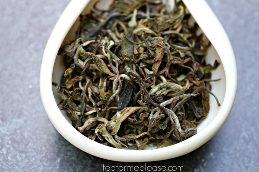 Masters Balasun First Flush Darjeeling leaves