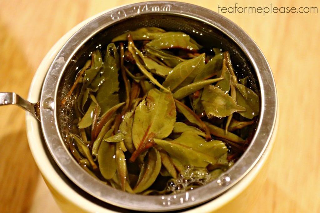 Nepali Tea Traders Ama Dablam Organic White Tea leaves brewing
